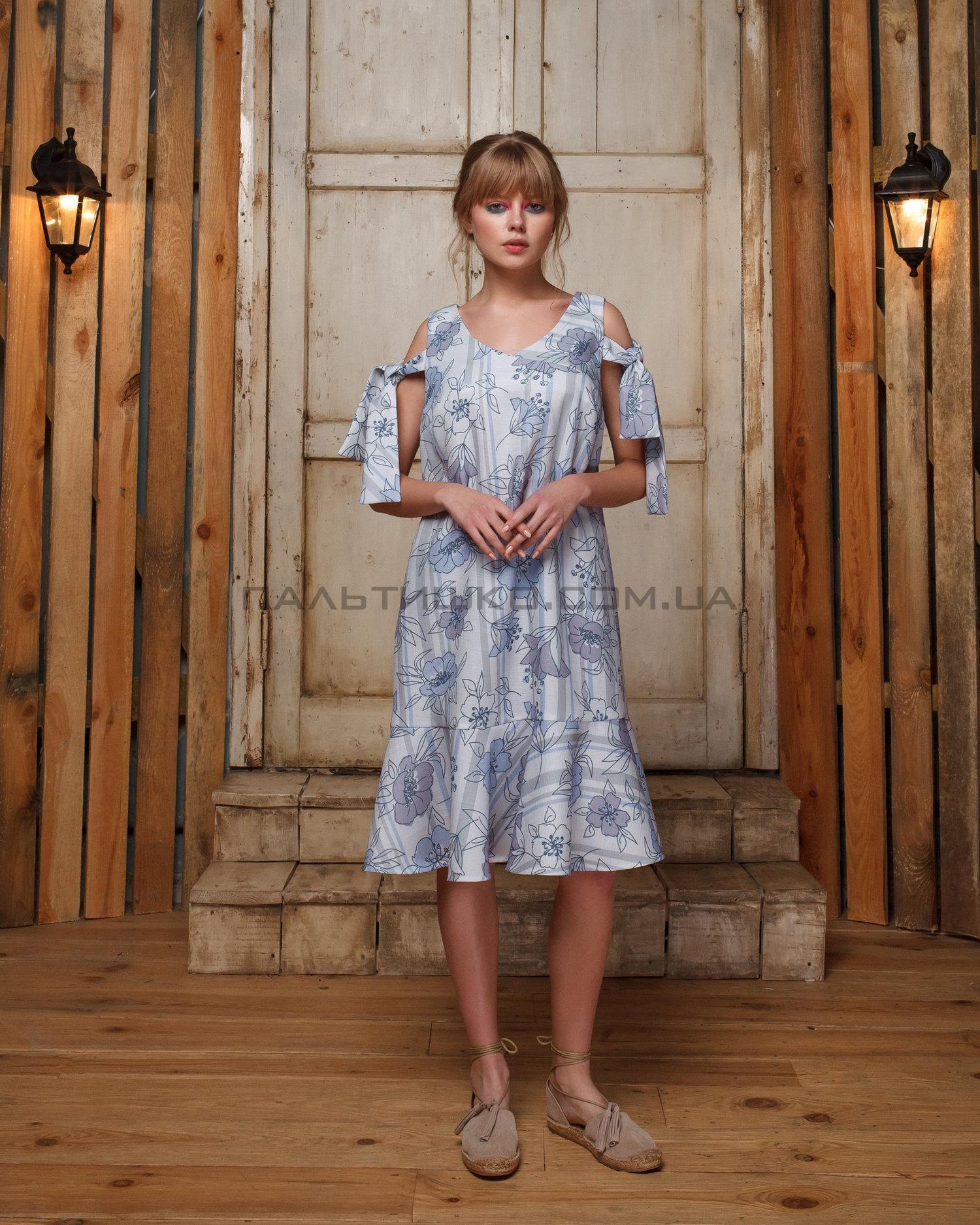 Платье с воланами в цветочек