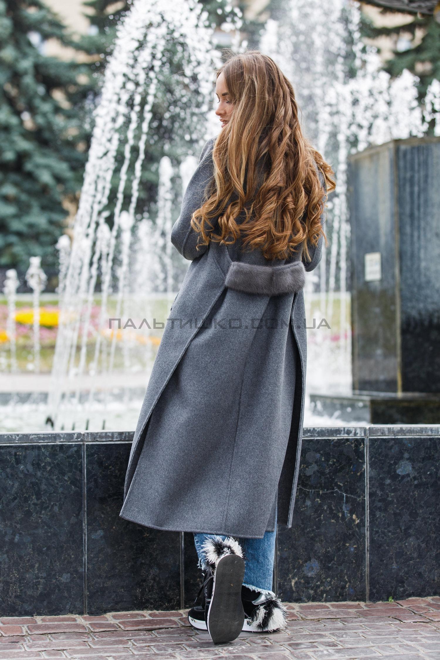Женское пальто №135
