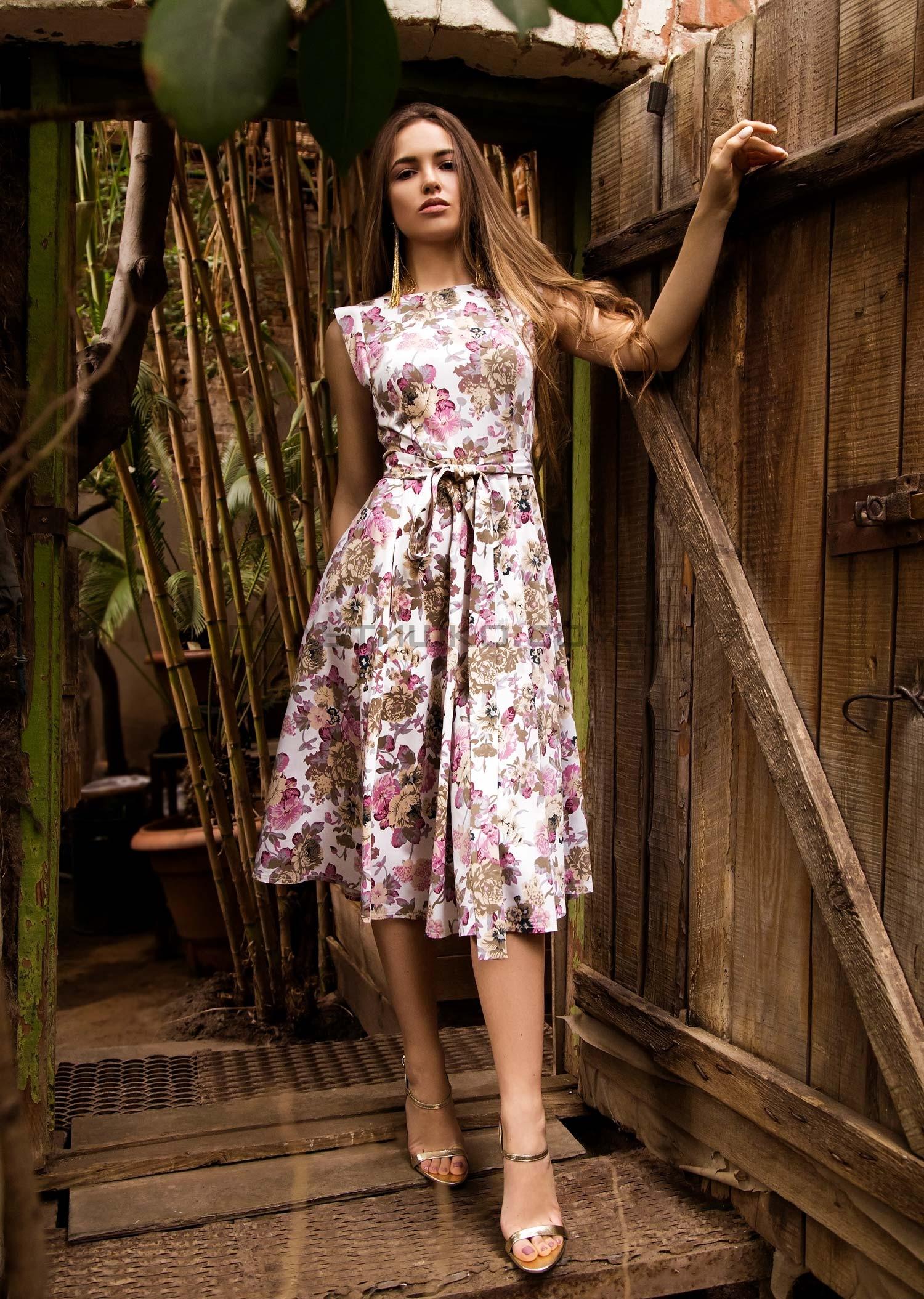 Платье с пионами
