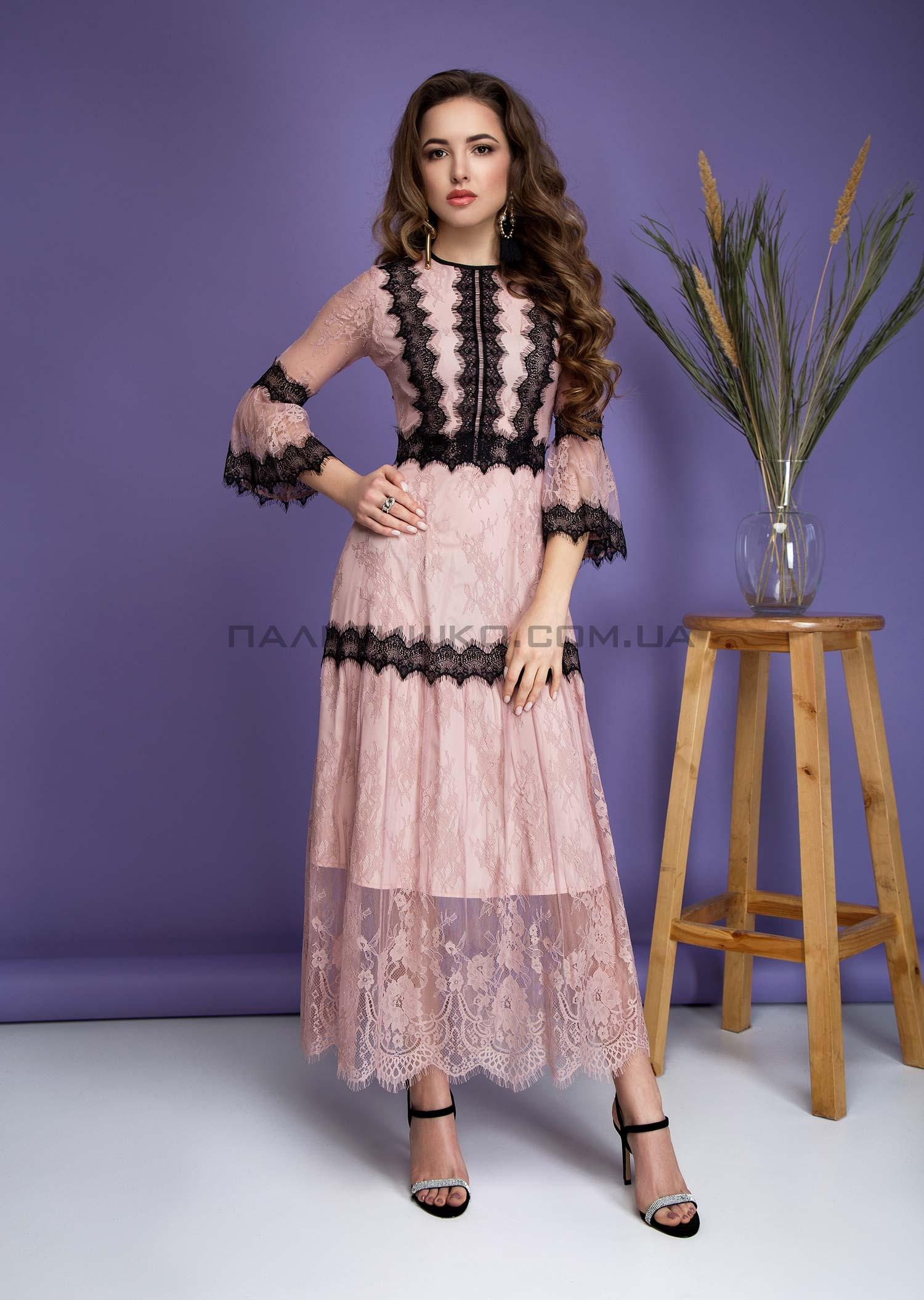 Платье гипюровое розовое