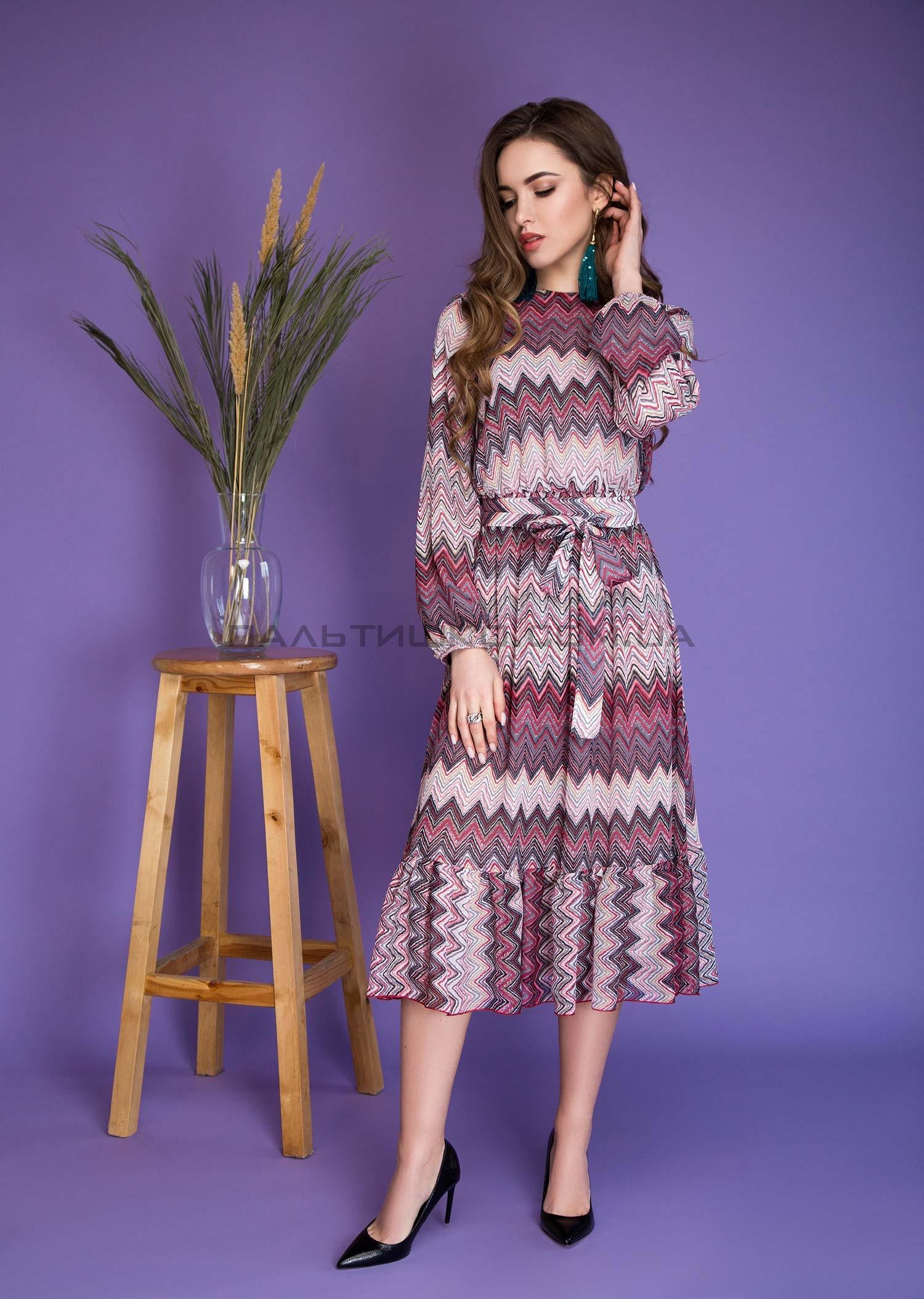 Платье с принтом розовый зигзаг
