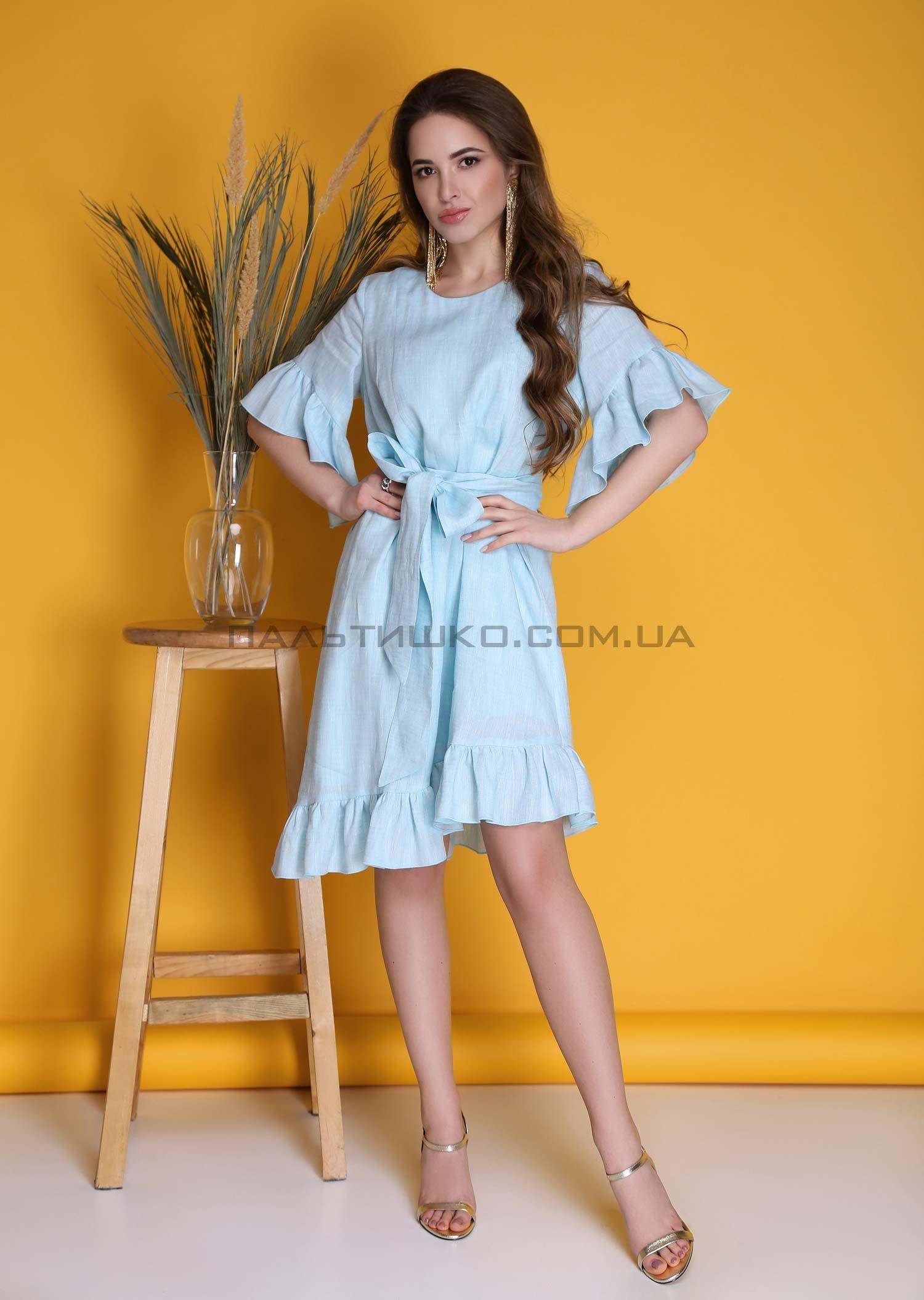 Платье голубое с оборками